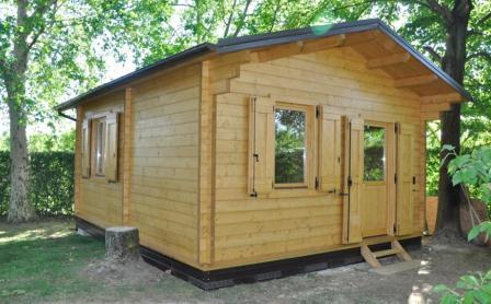 Boom di prenotazioni per le casette in legno quarto for Casette legno 5x5